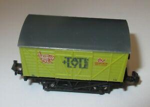 Lima-476-Gedeckter-Gueterwagen-Tate-amp-Lyle-Sugar-der-BR-gt-TOP
