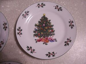 Salad-Bread-Plates-in-the-Noel-Morning-pattern-by-Gibson-Designs-Set-of-4-EUC