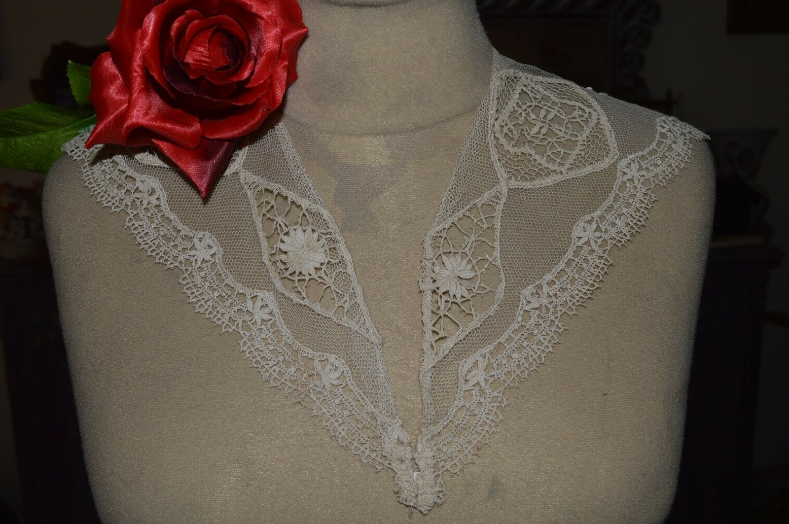 ANTIQUE COL TULLE EMBROIDERY FLOWERS AND APPLICATIONS DENTELLE