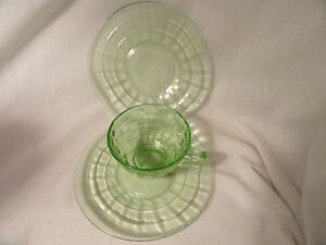 Green-Block-Depression-Glass-Cup-2-Sherbet-Liner-Mint
