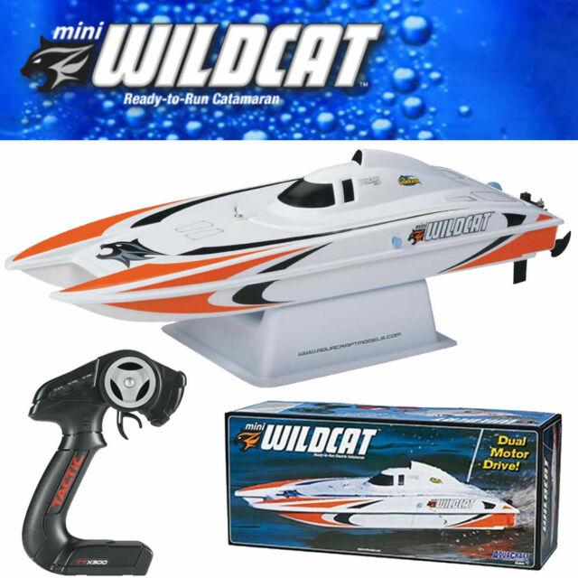 AquaCraft Mini Wildcat Catamaran Blue AQUB19A1