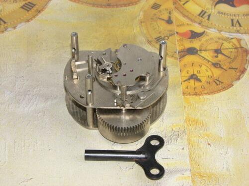 CLOCKWORK and Key NEW OLD STOCK UHRWERKE und Uhrenschlüssel
