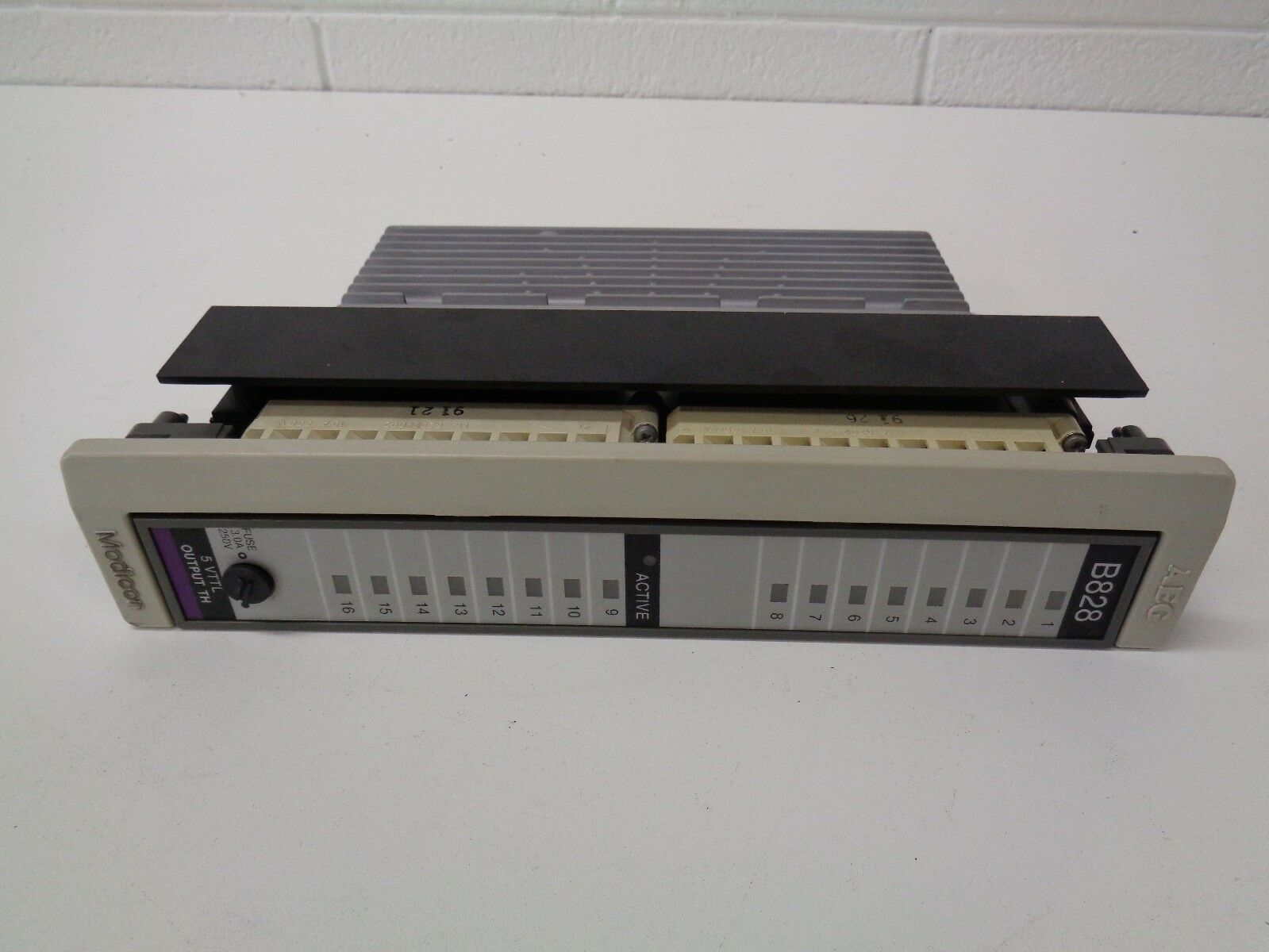 MODICON AS-B828-016 OUTPUT MODULE TH 5VTTL AEG - USED - FREE SHIPPING