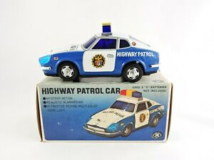 HIGHWAY-PATROL-CAR-MT-Modern-Toys-Battery-Operated-tin-car-with-Original-Box-cop