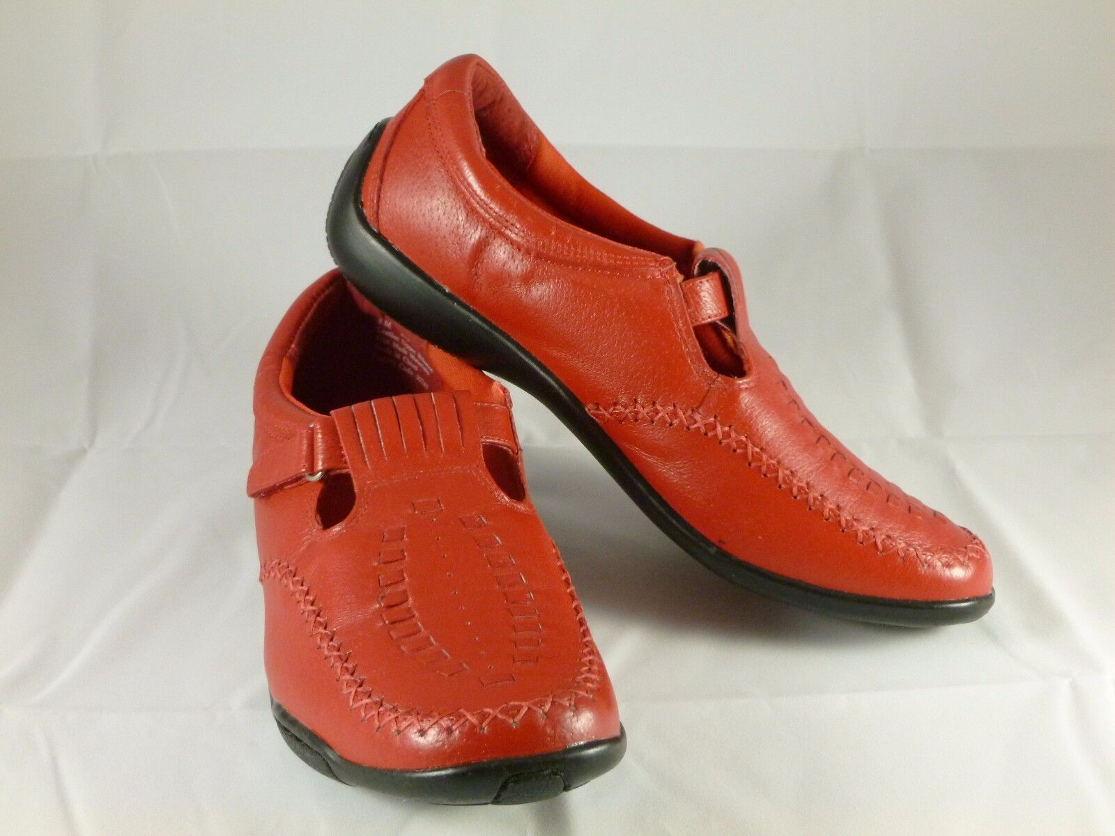 Dr. Scholl's Red Leather Upper Slip-on shoes Womens Size 8M