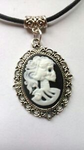 Gothic-Lady-Vintage-skull-Black-amp-White-Cameo-black-wax-cord-necklace-choker
