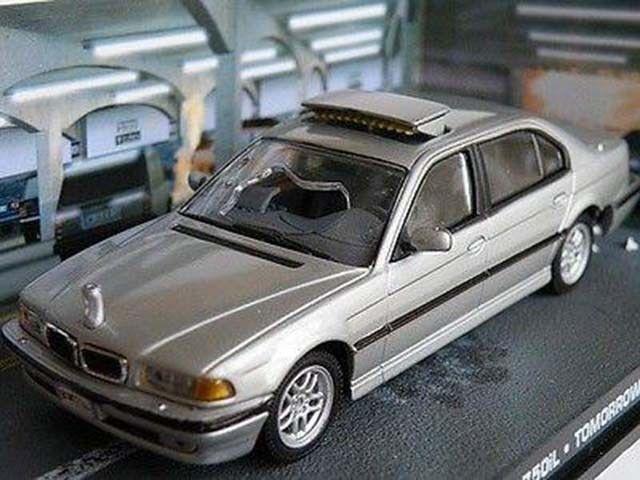 JAMES BOND BMW 750IL 1/43RD SIZE TOMORROW NEVER DIES MODEL CAR VERSION R0154X{:}