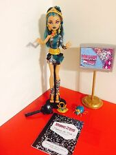 Monster high Nefera De Nile 1st Wave Pet, Diary, Bag And Ring Displayed Only T3