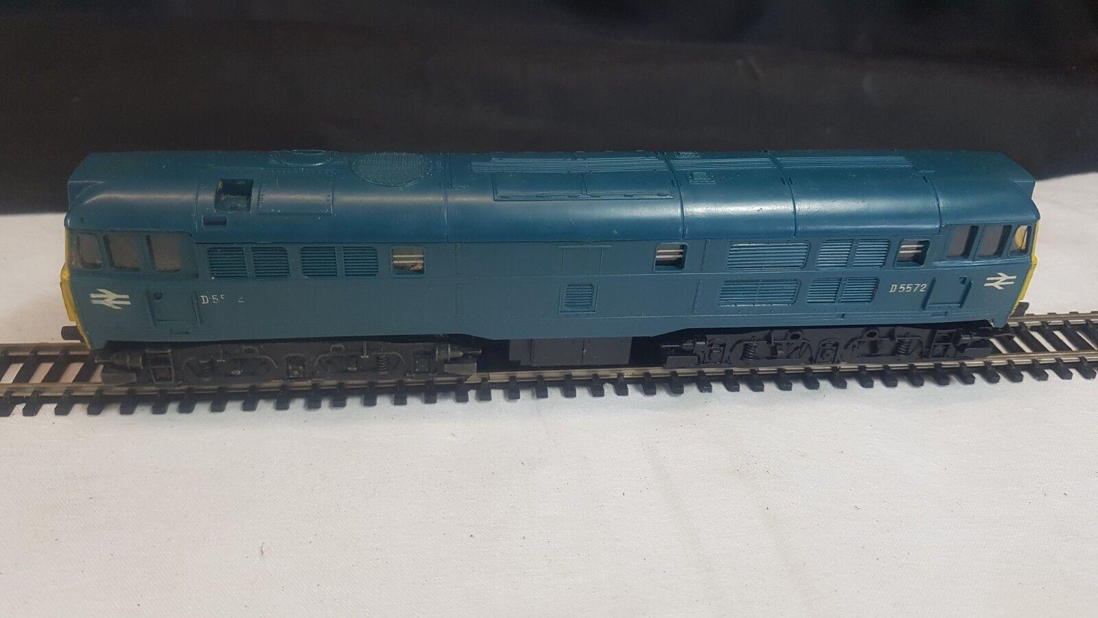 TRIANG R357 blu DIESEL LOCOMOTIVE D5572 - OO GAUGE
