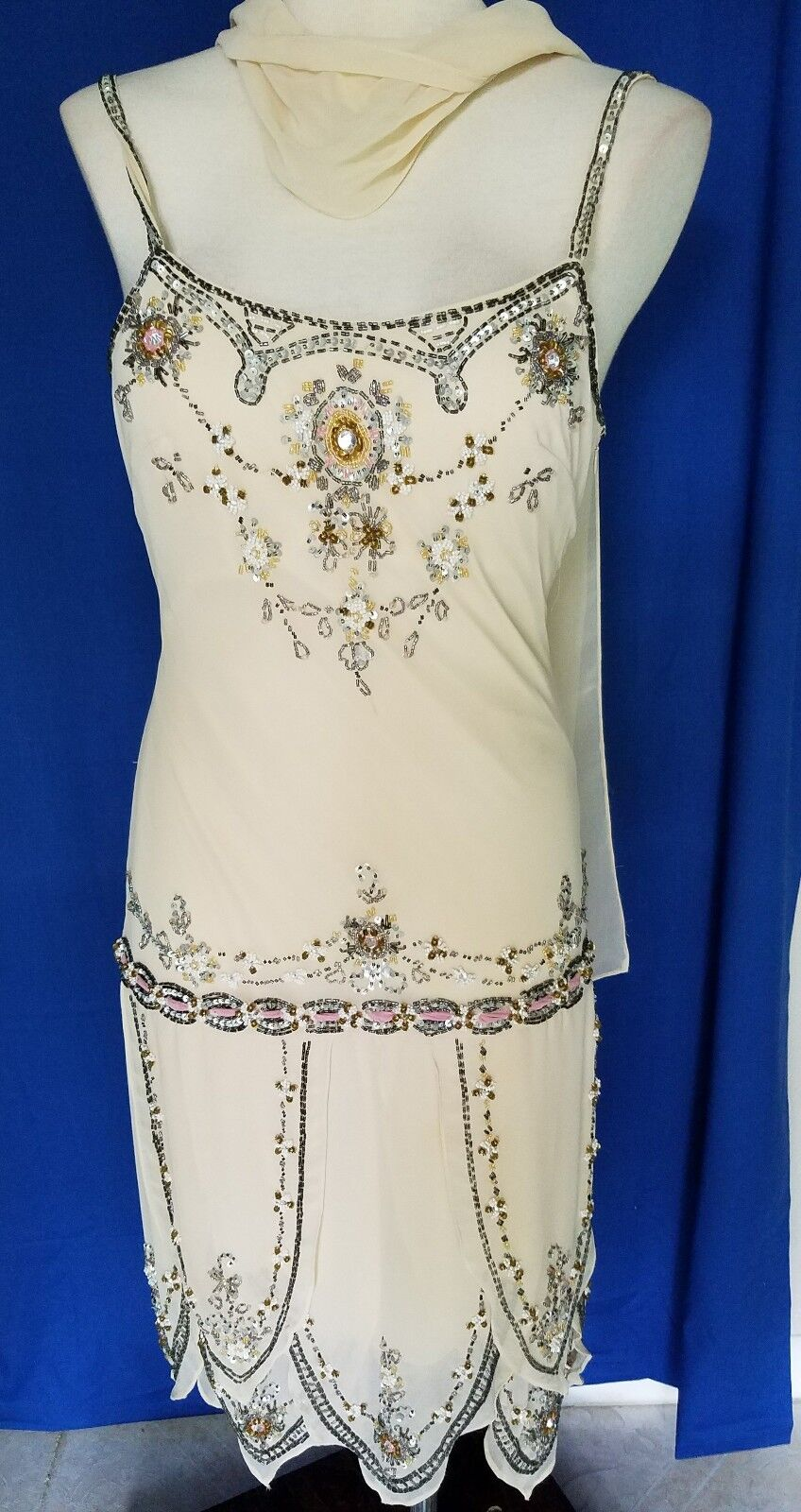 Chicas 1920s Styling Heavily Embellished Silky Cocktail Dress Size Small
