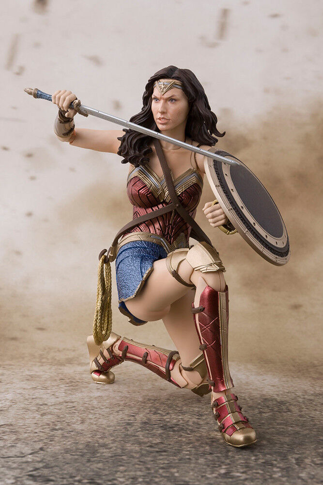 ACTION FIGURE BANDAI SH FIGURARTS DC COMICS WONDER WOMAN JL 15 CM