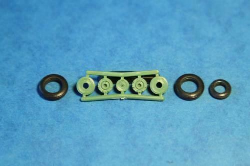 1:72 ELF #7231 Su-7 Rubber wheels with protector and plastic set USSR