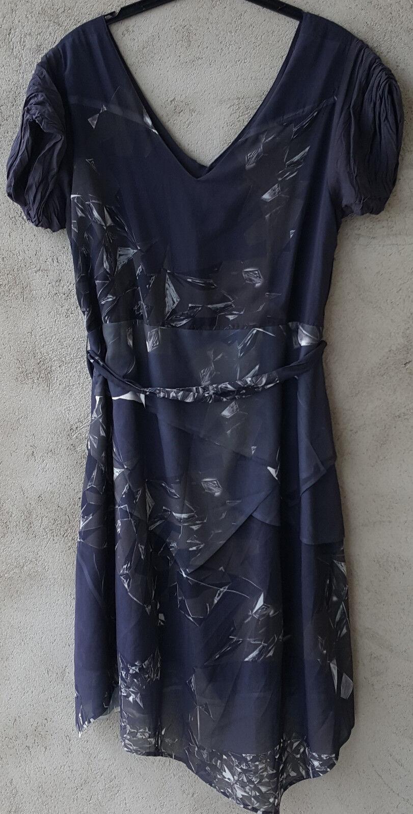 Kleid von NÜ by Staff-Woman, Gr.XXL, grau-blau gemustert, V-Ausschniit, Kurzarm