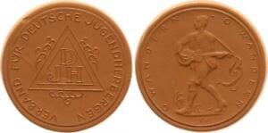 Meissen-Porcelain-Medal-Dressing-German-Hostels-XF