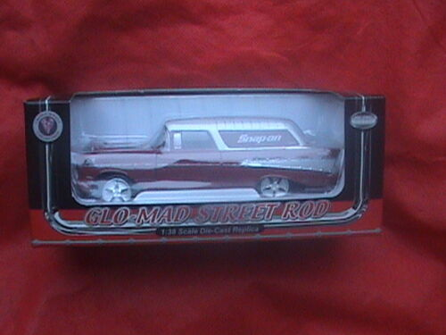 Snap-on Glo Mad Street Rod 1:38 Scale Die Cast Replica 8T1031668