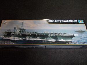 Kit de plastique Trumpeter 1: 700 Scs Us Kitty Hawk Cv-63