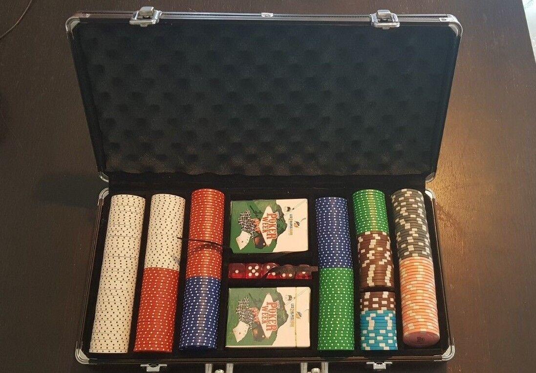 Coffret poker collector POKER WEEK 2 alpes 300 jetons  2 jeux de voituretes + 5 dés  sortie d'exportation