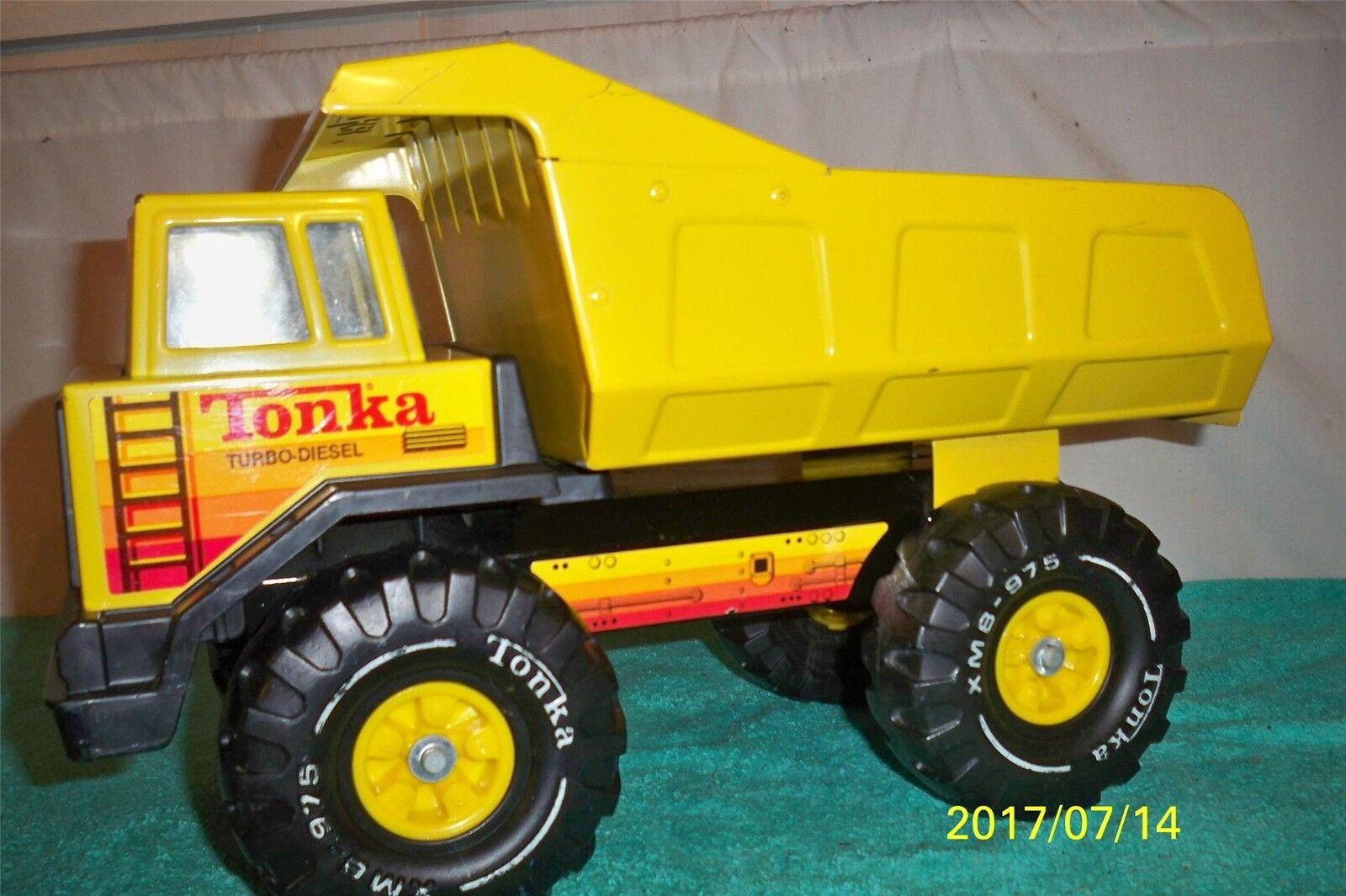 TONKA Mighty turbo diesel 1984 Good Mighty camion benne Pressé Acier 16 3 4  long
