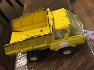 Vintage-Tonka-Yellow-Metal-Small-Construction-Dump-Truck-F