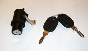 FIAT 126 PERSONAL// MANIGLIA COFANO// BONNET DOOR LOCK