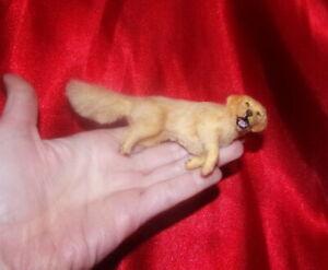 Golden-retriever-dog-Dollhouse-realistic-OOAK-miniature-1-12-handmade-handsculpt