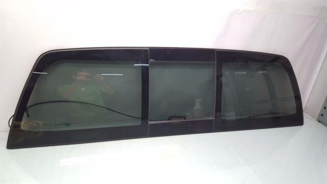 Fits 2000-2006 Toyota Tundra Power Slider Back Glass Window Center Piece Only