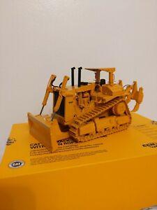 Caterpillar-Cat-D10-Push-Blade-Dozer-w-Ripper-ROPS-by-CCM-1-48