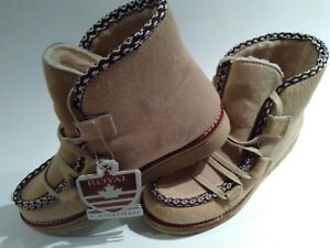 Royal-Canadian-Women-Pony-Boot-Size-7-Waterproof-Winter-Snow-Beige-NEW-with-tag