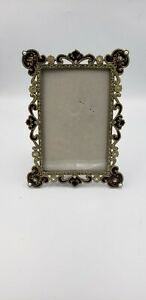 Vintage-Brass-Picture-Frame-w-Faux-Diamonds-and-Pearls-4-x-6-inch-picture-Nice