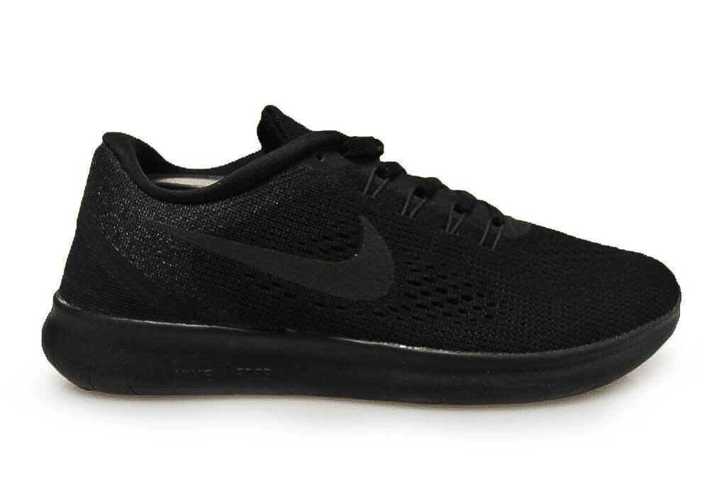 Damen Nike Gratis Rn - 831509 002 - Dreifach Schwarze Turnschuhe