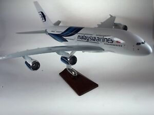 AIR-MALAYSIA-LARGE-PLANE-MODEL-A380-ON-STAND-APX-47cm-SOLID-RESIN