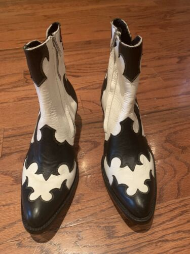 Old Gringo white and black cowboy boots sz 7
