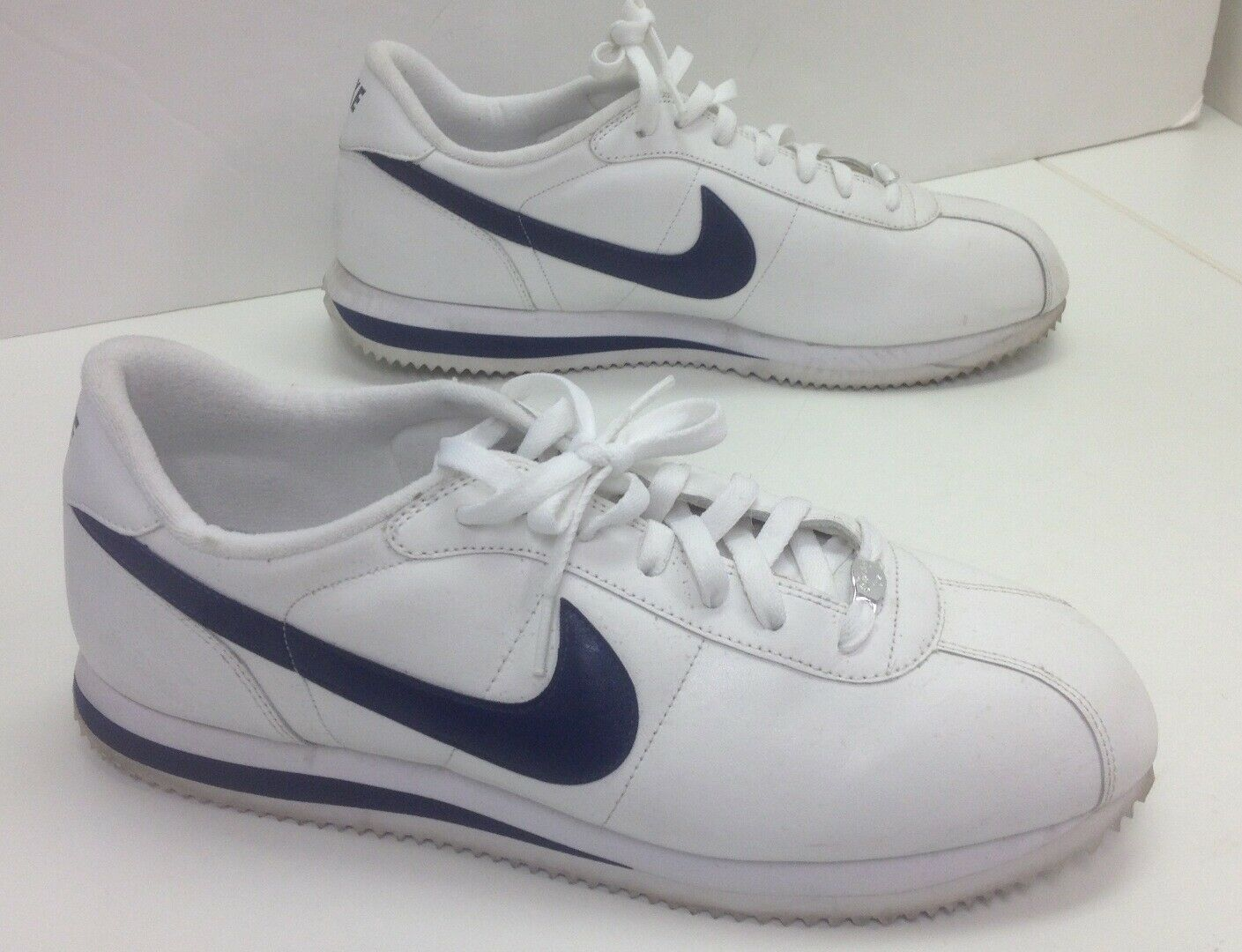 NIKE White Navy bluee Trim Round Toe Low Top Lace Up Athletic Sneaker Sz 13 B4914
