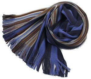 Klassischer-Strickschal-aus-100-Merinowolle-mit-Fransen-blau-bunt-gestreift