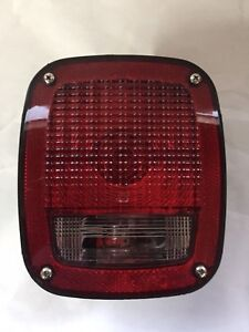 GROTE-TAIL-LIGHT-52912