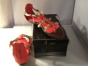 if Carrini Women's Coral w/ Gold Accents Sandals Size 8.5 Summertime Sandals