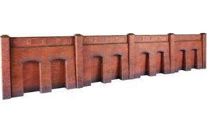 Metcalfe-Retaining-Walls-in-Red-Brick-OO-Gauge-Card-Kit-PO244