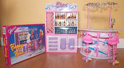 NEW GLORIA DOLLHOUSE FURNITURE DRINKING BAR STAND+Stools+Wine Glasses+Hutch SET