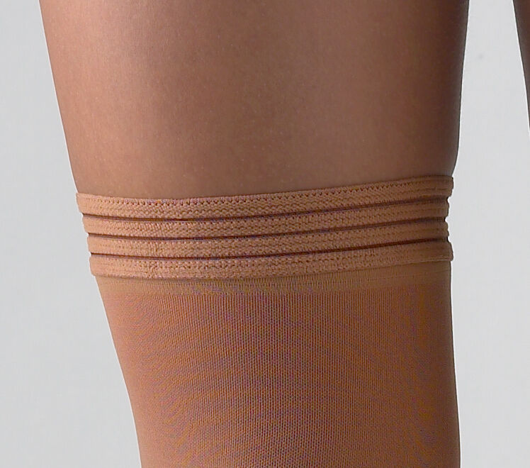f20e2ed162 activa 20-30 mmHg Soft Fit Thigh High With Lace Top Socks Black Small   eBay