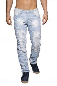 Hommes-detruits-crane-bleu-jeans-dechires-lumiere-denim-en-detresse