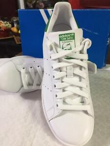 Men's size 10.5 Originals Adidas Stan Smith Shoes