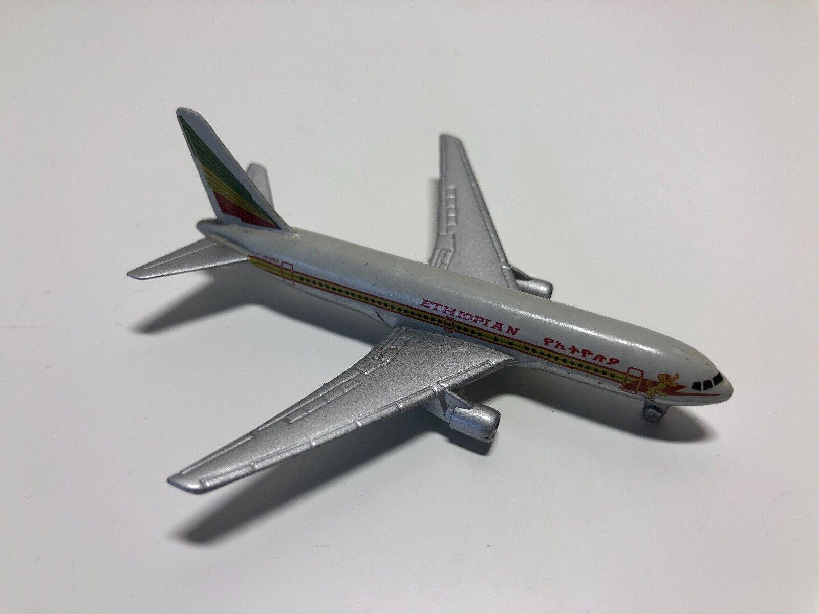 Occasion - Miniature Avion Éthiopien - Boeing 767 - SCHABAK 907 - Avion | Outlet Store Online  | Bon Marché  | Les Produits De Base Sont  | Matériaux Sélectionnés Avec Soin