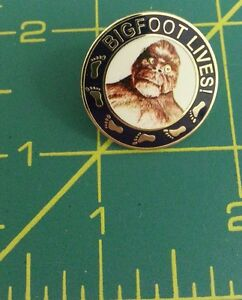 Bigfoot-Lives-lapel-pin-with-great-sasquatch-logo-on-front-cool-collector-item