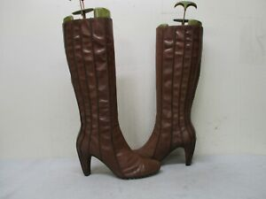 Tsubo Brown Leather Zip Knee High Heel Boots Womens Size 7.5 Style AQ6-02
