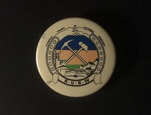 Pin-Back-Button-Vintage-NATIONAL-UNION-OF-NAMIBIA-WORKERS-Original-SCARCE-ib1