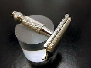 Vintage-Gillette-Tech-Shaving-Razor-Short-Stubby-Travel