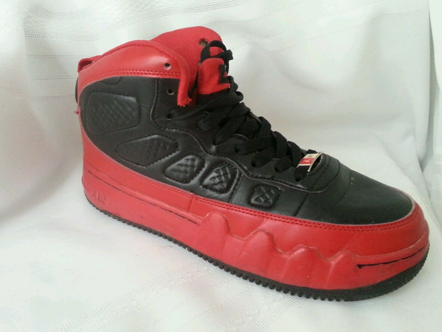 NIKE AIR JORDAN men's basketball shoes size 6.5 black/red great condition! The most popular shoes for men and women