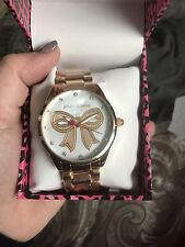 New Betsey Johnson Women's BJ00421-35 Analog Pearl Rose Gold Bow Watch
