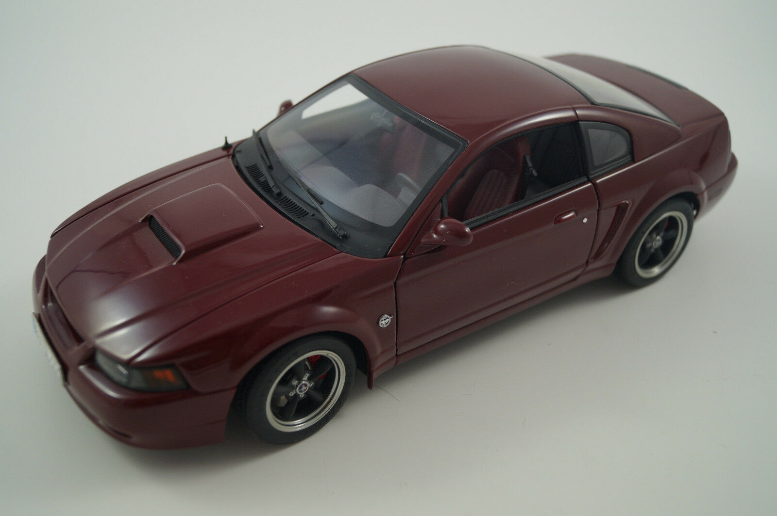 Autoart maqueta de coche 1 18 Ford Mustang GT 2003 Bullit