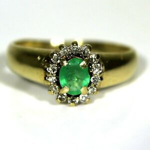 Pretty-Emerald-amp-0-15ct-Diamond-Cluster-9ct-Yellow-Gold-ring-size-L-5-3-4